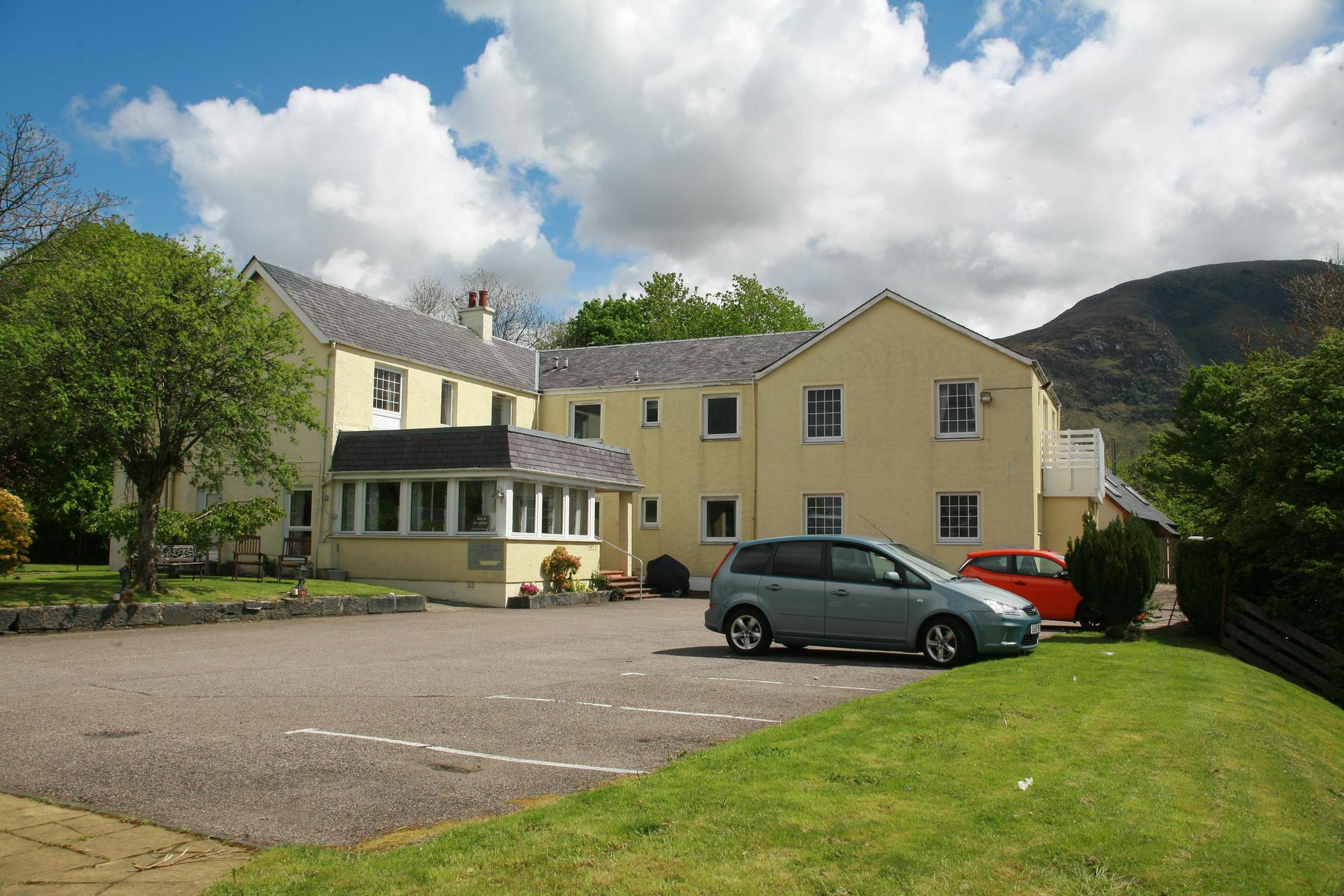 Glenlochy Nevis Bridge Apartments in Fort William