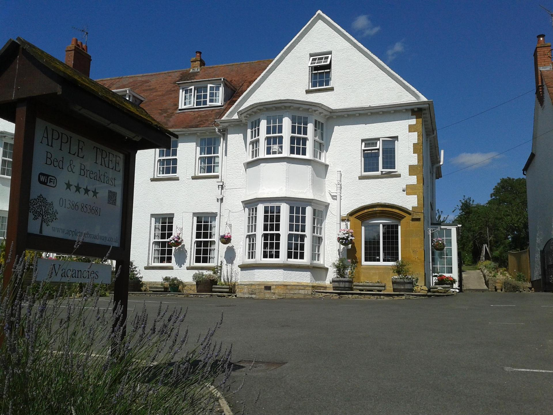 Apple Tree Bed and Breakfast - 10 per cent off for 4 nights or more