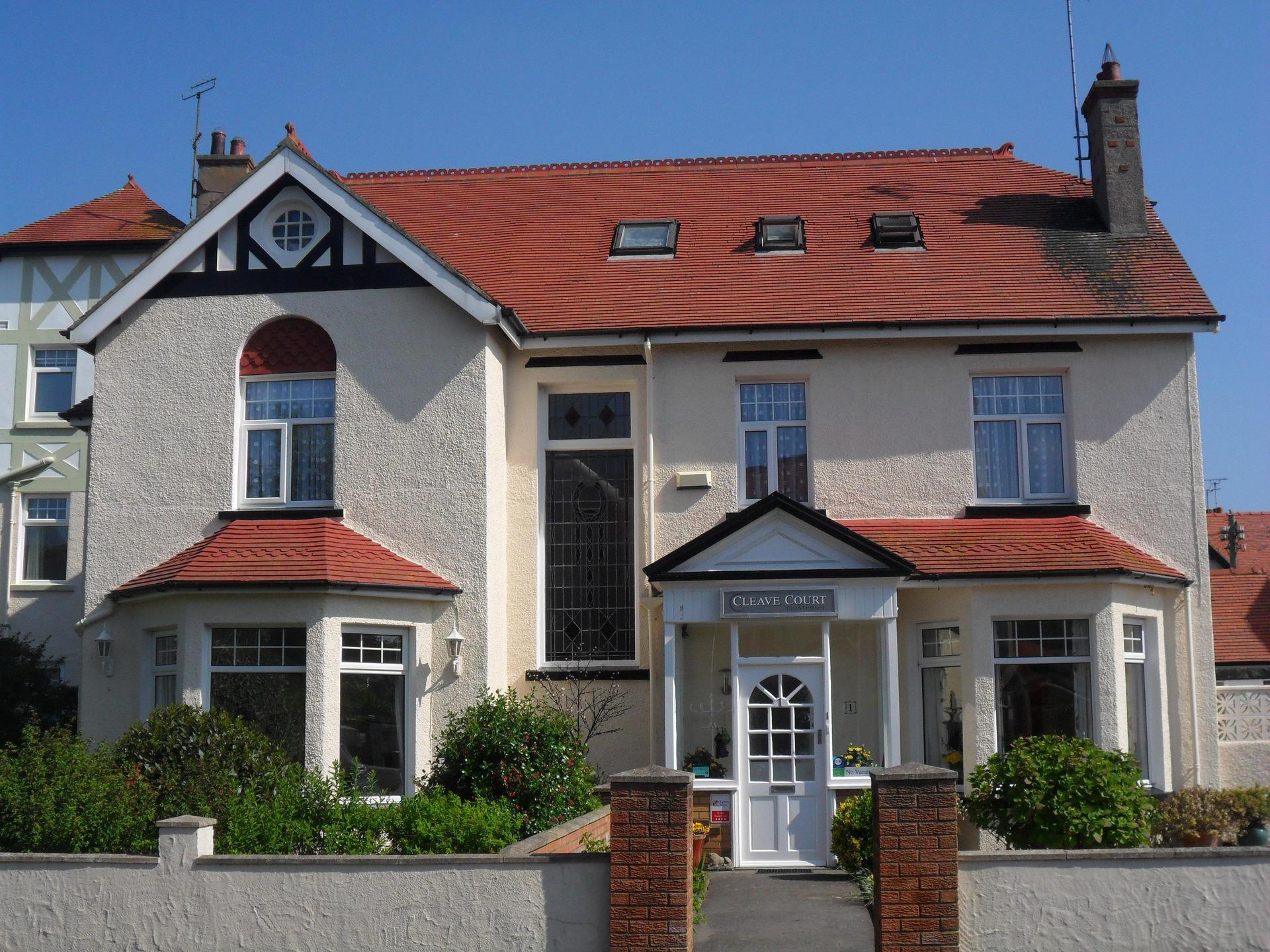 Cleave Court Guest House in Llandudno