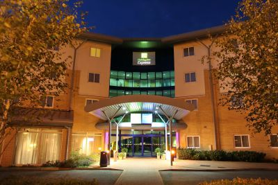 Holiday Inn Express Southampton - 10% off Weekend Rate