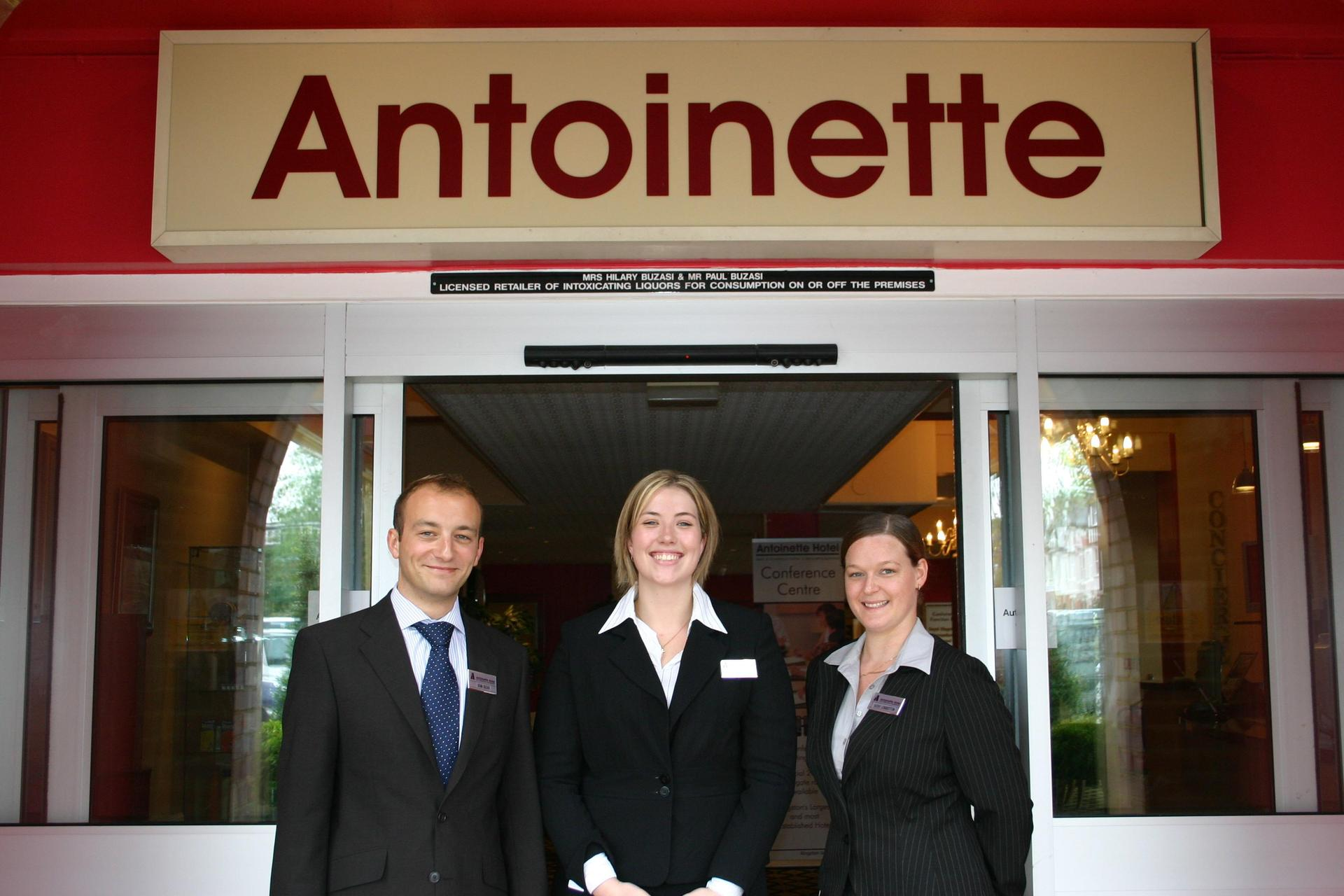 Antoinette Hotel Kingston in