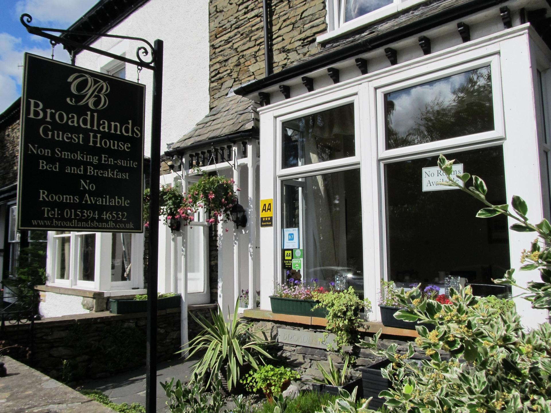 Broadlands Guest House in Windermere